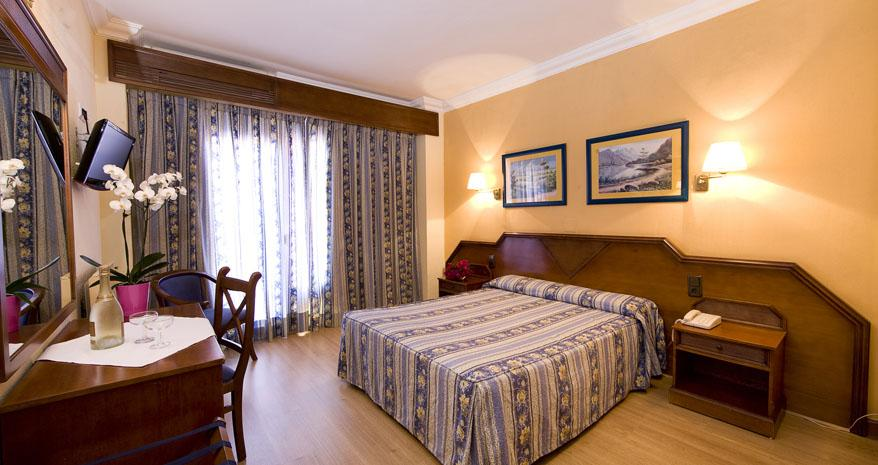 HOTEL FUENGIROLA PARK 4*